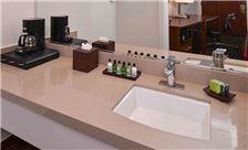 Ramada by Wyndham Mountain View - Bathroom