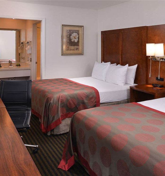 mountain view hotel rooms suites ramada mountain view. Black Bedroom Furniture Sets. Home Design Ideas