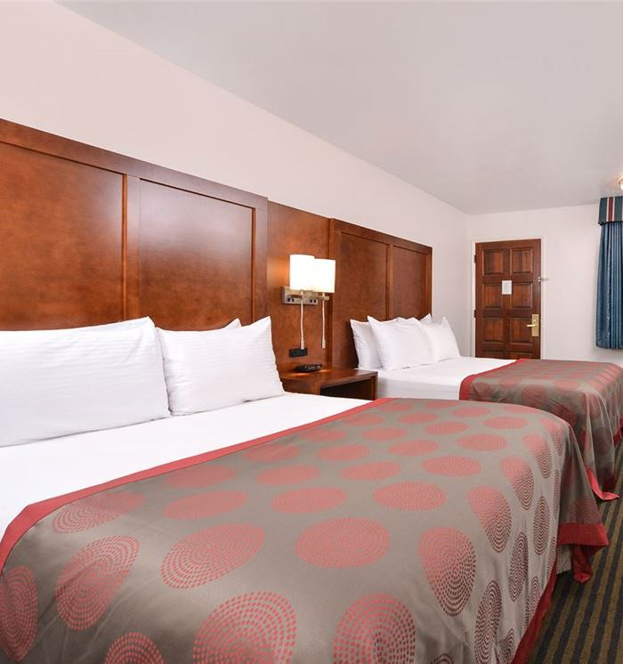 Mountain View, California Hotel Two Queen Bed Rooms