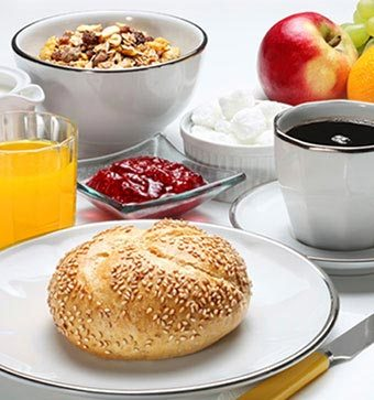Complimentary Hot Breakfast in Mountain View Hotel